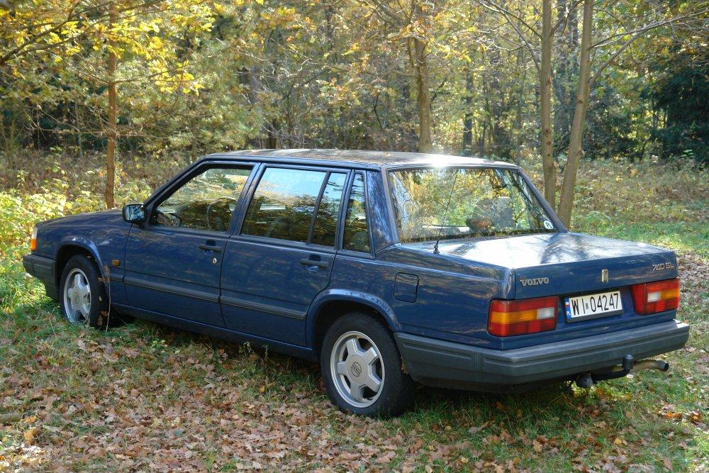 Volvo740.thumb.JPG.aeb5dd9acaa3cd33e3ebd1fed28d6cc3.JPG