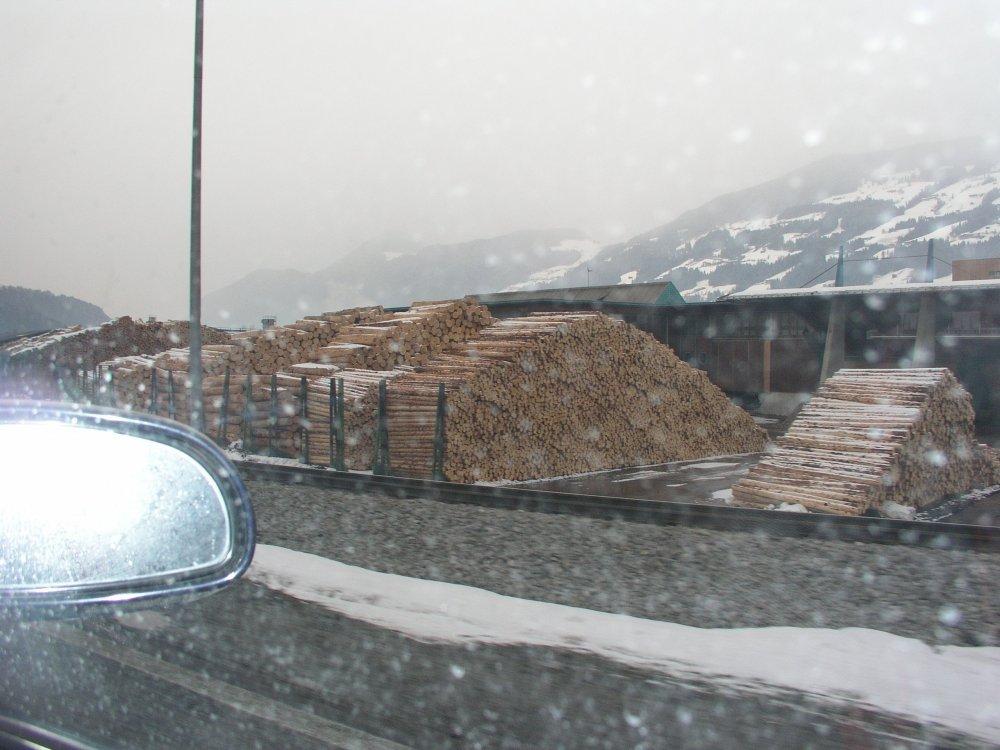Austria.thumb.JPG.98406128e2f4a9e47f3b8472794f5fc3.JPG