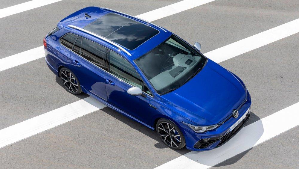 VW-Golf-R-Wagon-10.jpeg